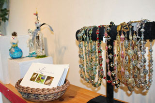 Dolphin Gallery Holiday Boutique