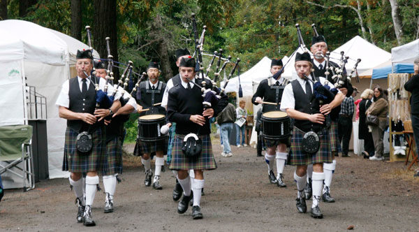 White Hackle Pipe Band