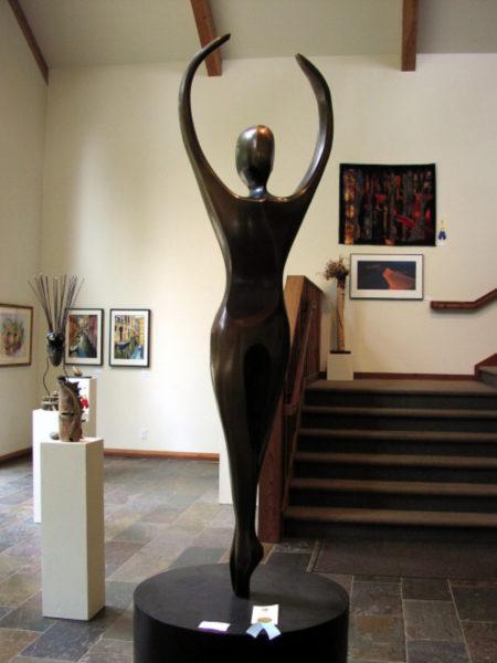 Robert Holmes sculpture